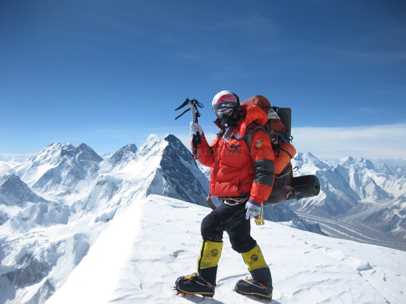 Expedition Over 8,000m